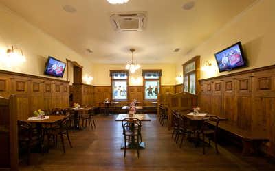 Банкетный зал пивного ресторана Швейк (Svejk) на улице Фрунзе фото 1