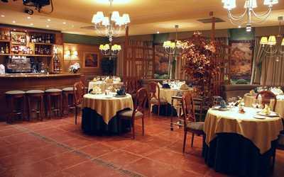 Банкетный зал ресторана Эрнест на улице Космонавта Беляева фото 2