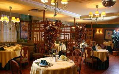 Банкетный зал ресторана Эрнест на улице Космонавта Беляева