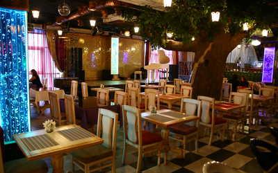Банкетный зал ночного клуба, ресторана Аурум ((бывш. Белый рояль, Панорама)) на улице Куйбышева фото 1