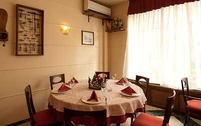 Банкетный зал ресторана Остерия Да Чикко (Osteria Da Cicco) в Банном переулке