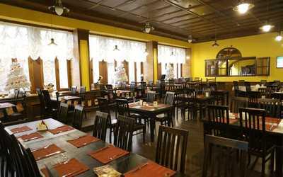 Банкетный зал пивного ресторана Калинкинъ (Волга) на проспекте Кирова