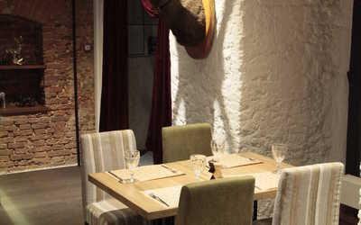 Банкетный зал ресторана Золотой Олень на улице Фридриха Энгельса