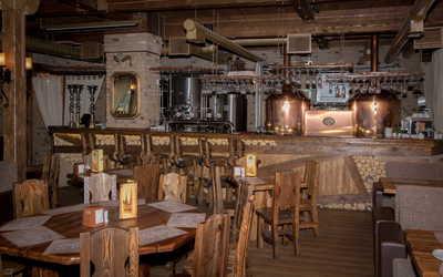 Банкетный зал пивного ресторана Таверна на улице Карпинского