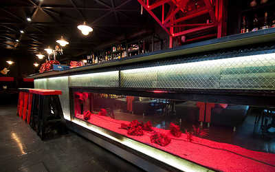 Банкетный зал бара The Bridge Bar на Адмиралтейской набережной