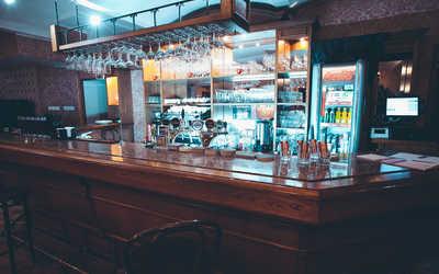 Банкетный зал паба, ресторана Шницель на Мясницкой улице