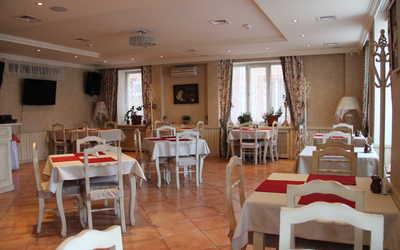 Банкетный зал бара, кафе Клюква на улице Свердловой
