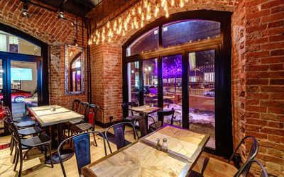 Банкетный зал бара, паба, ресторана Немец-перец. Колбаса на Саввинской набережной фото 2
