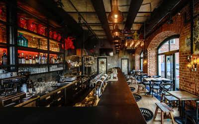 Банкетный зал бара, паба, ресторана Немец-перец. Колбаса на Саввинской набережной