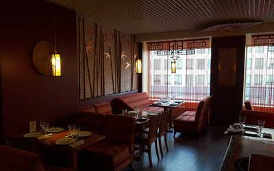 Банкетный зал кафе, ресторана Утки. Лапша & Пельмени на Олимпийском проспекте