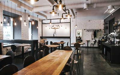 Банкетный зал кафе Мечтатели на набережной реки Фонтанки