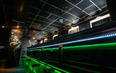 Банкетный зал бара Юниверс (Universe Lounge Bar) на набережной реки Фонтанки фото 1