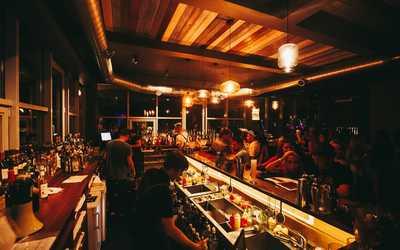 Банкетный зал бара ROOF cocktail bar на улице Саид-Галеева фото 1