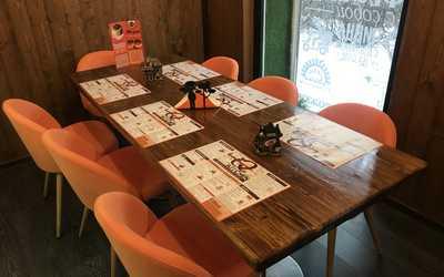 Банкетный зал ресторана iQ Family Kitchen на проспекте Просвещения фото 3