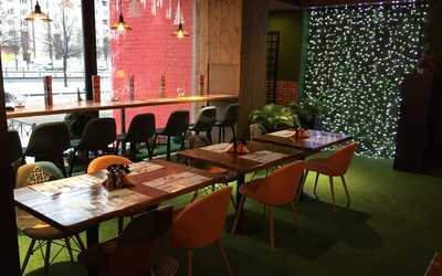 Банкетный зал ресторана iQ Family Kitchen на проспекте Просвещения фото 2