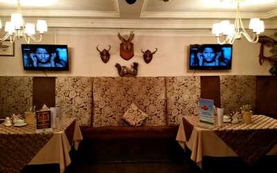 Банкетный зал кафе Охота по-русски на улице Крауля фото 3
