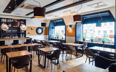 Банкетный зал ресторана Abajour Cafe на 9-й линии Васильевского острова фото 1