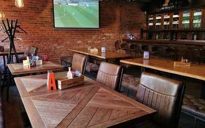 Банкетный зал пивного ресторана Brewmen & Redman's Kitchen на Разъезжей фото 3