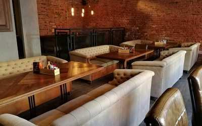 Банкетный зал пивного ресторана Brewmen & Redman's Kitchen на Разъезжей фото 2