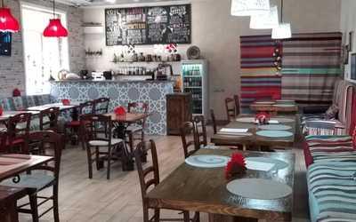 Банкетный зал кафе Арт Чайхона (бывш. Хлеб Хаус) на Каховке фото 1