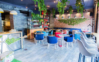 Банкетный зал кафе Family Friends на 9-ой линии В.О. фото 1